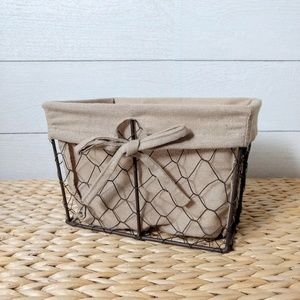 Small Lined Chicken Wire Basket